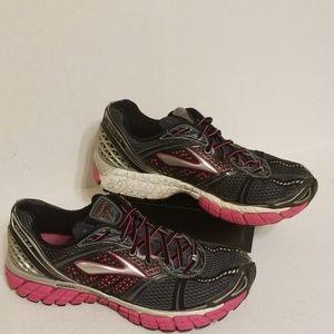 Brooks Trance 12 women's shoes size 9.5 B